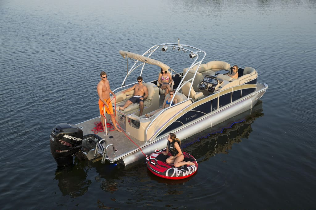 pontoon boat reviews: sylvan mandalya 8525 sportlounger