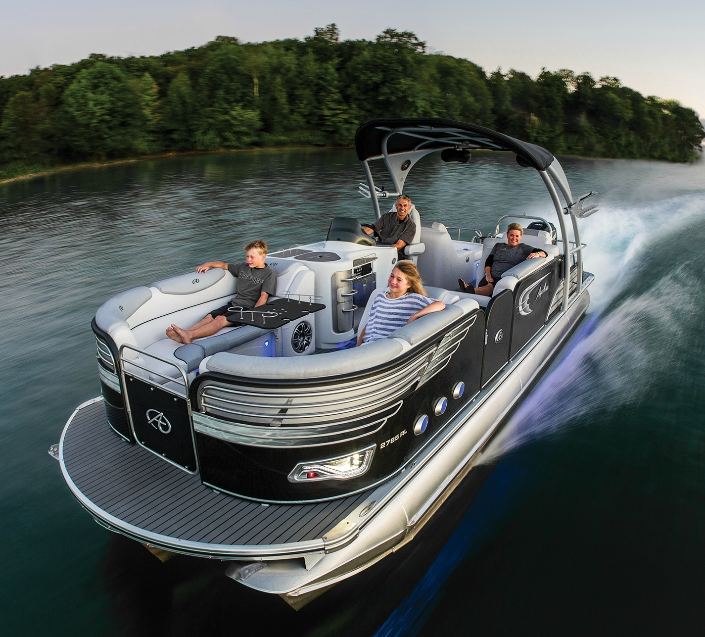 Have a Look at These Top Avalon Pontoon Boat Reviews
