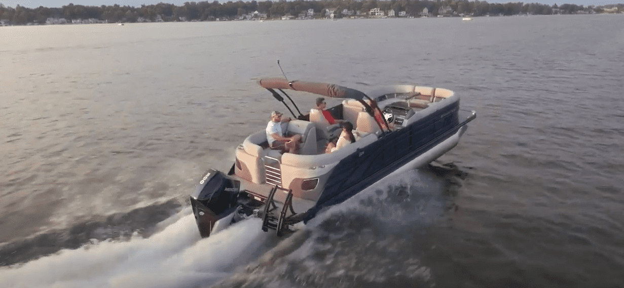 best time of year to buy a pontoon boat