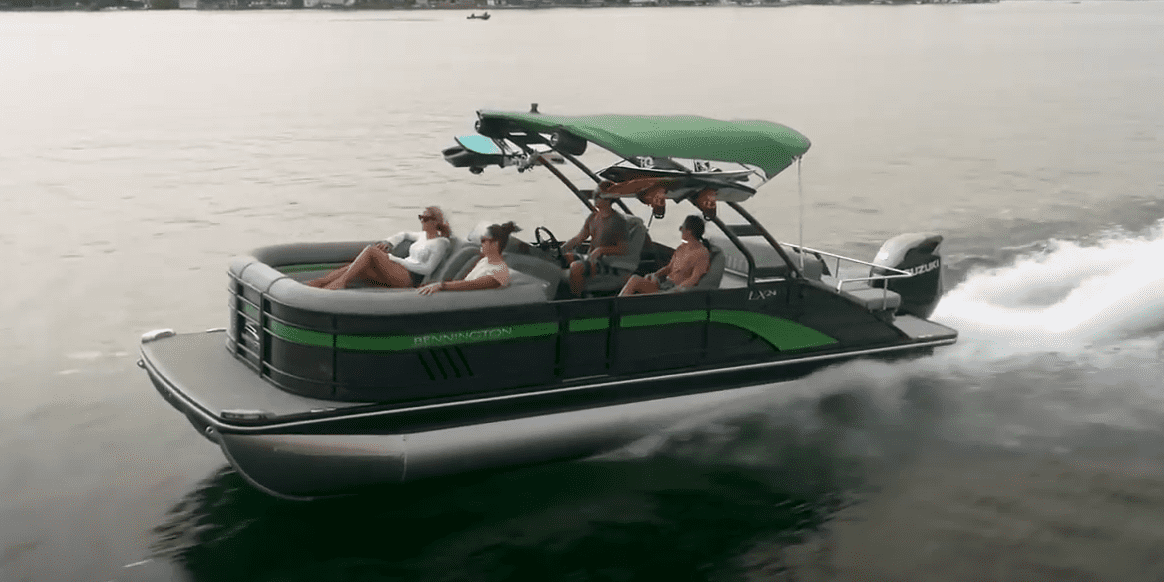 difference between pontoons and catamarans