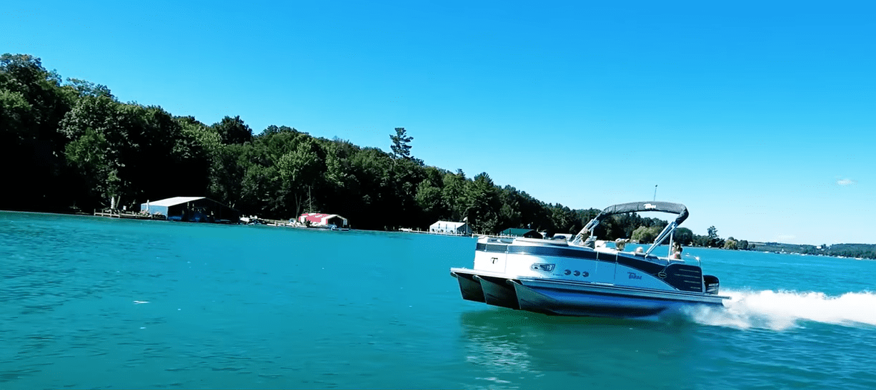 how fast will a 115 hp pontoon boat go