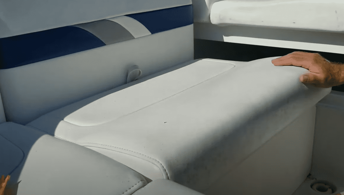 how to clean pontoon boat seats