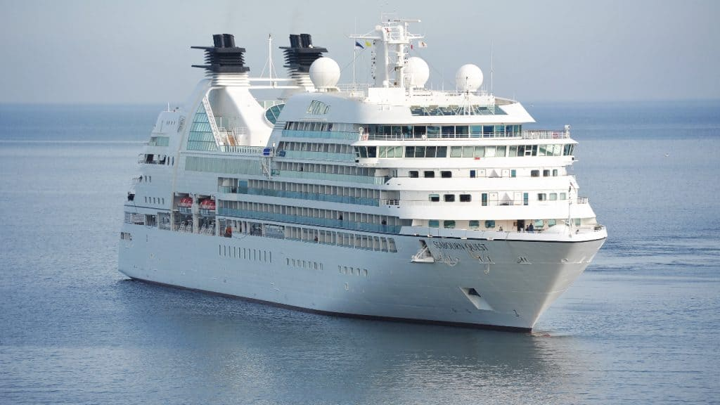what is the best side of a cruise ship to be on