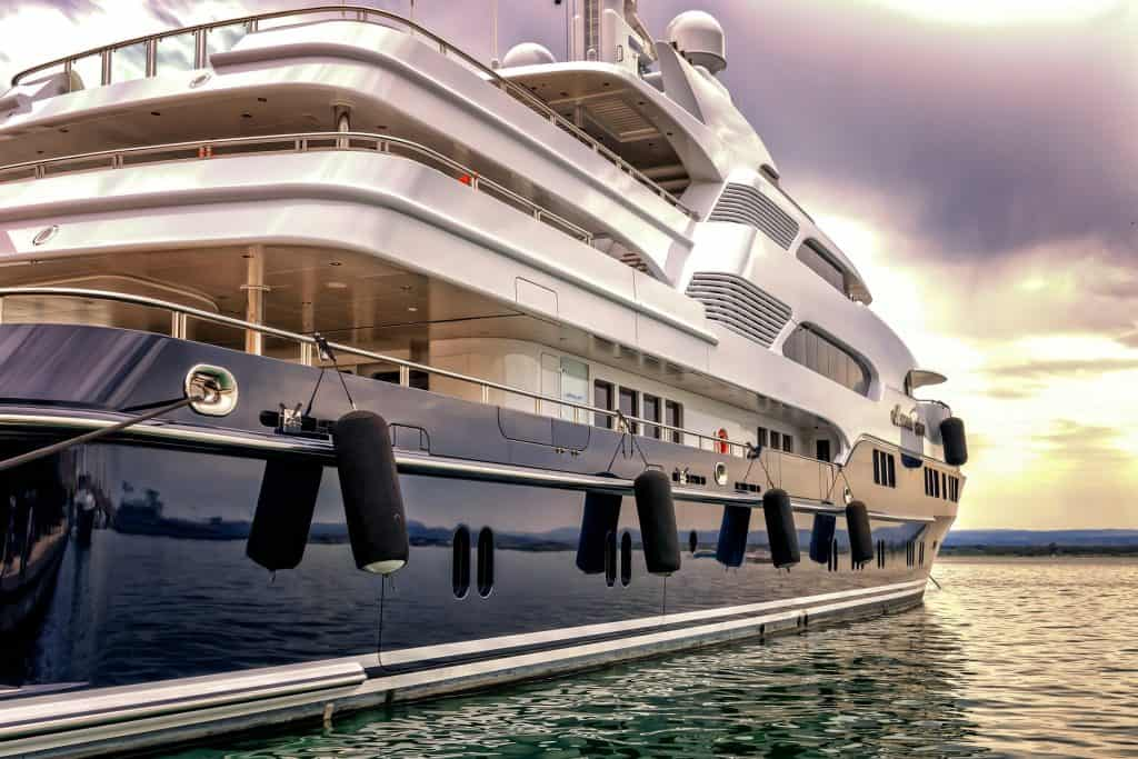 what size yacht requires a crew