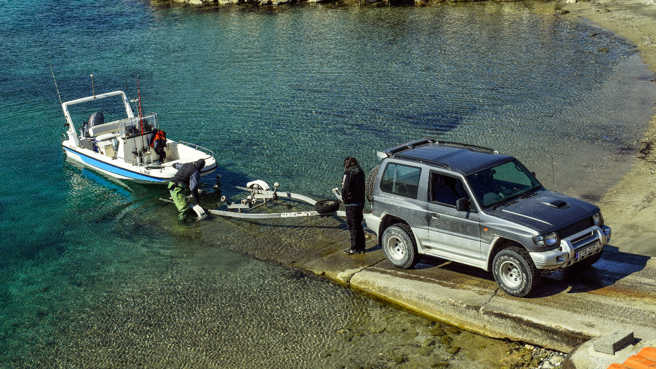 tips on backing a boat trailer