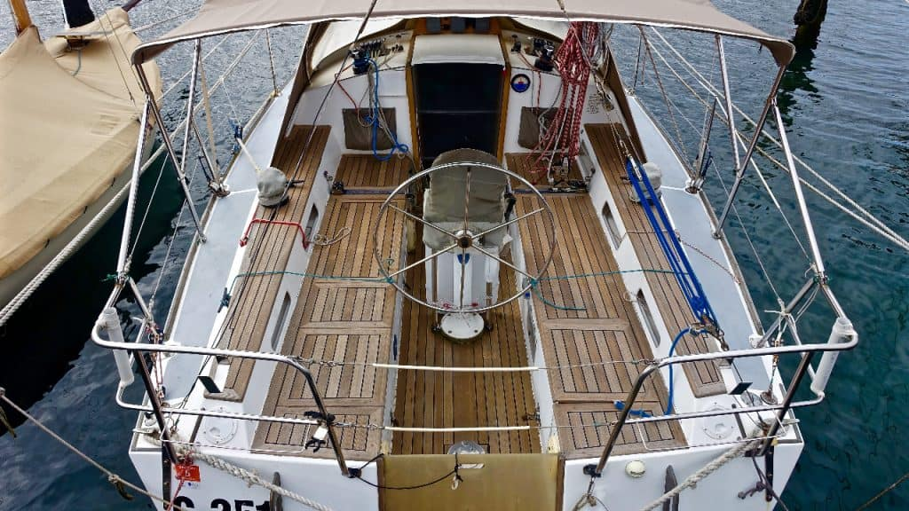deck boat weight