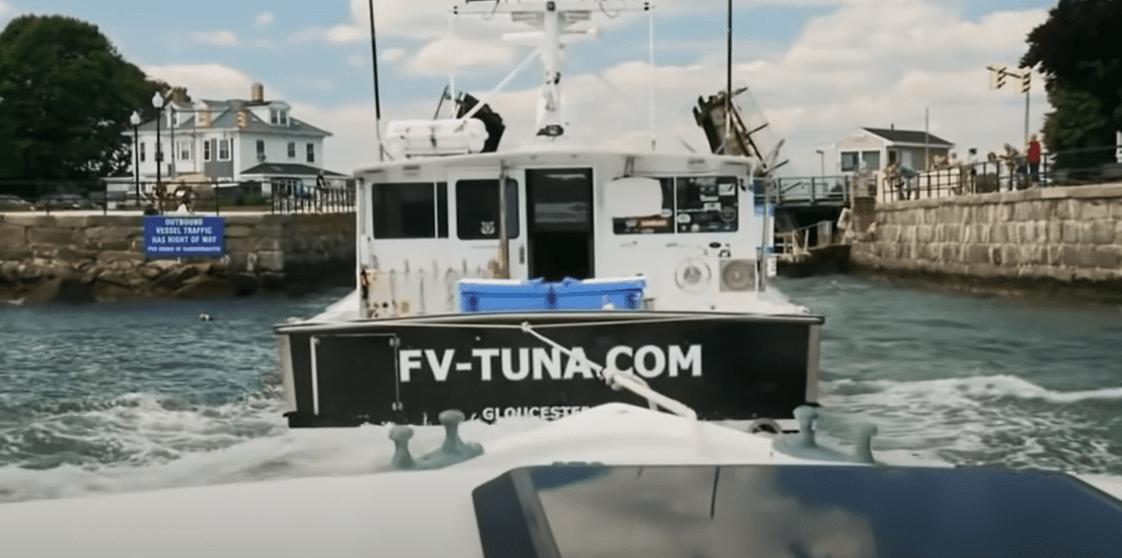 what does the winner of wicked tuna get