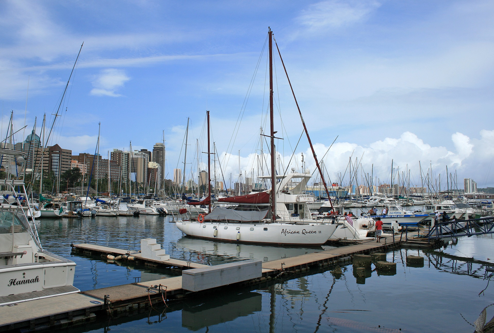 why join a yacht club