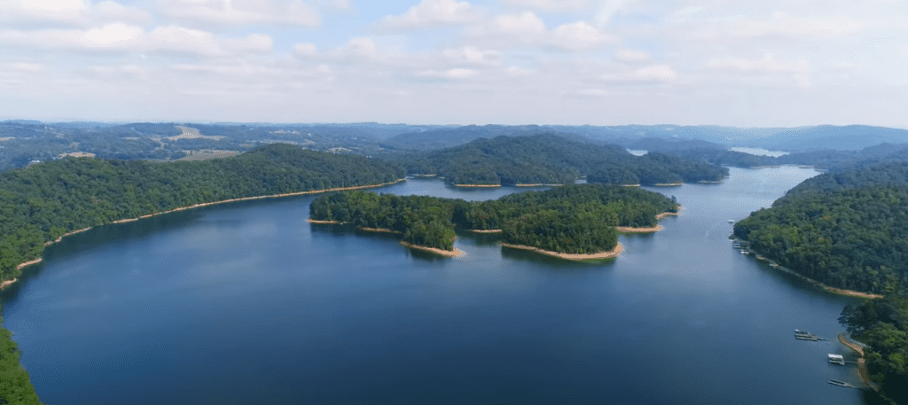 best boating lakes in tennessee