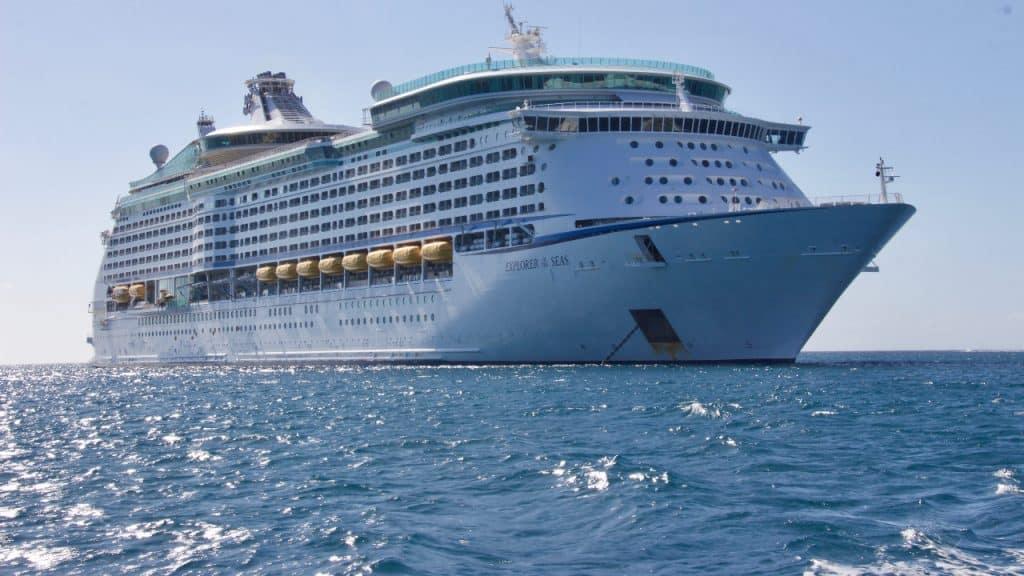 cruise ship captain salary